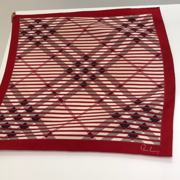 Burberry silk rectangular large scarf